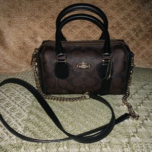 Coach baby Bennett Signature Crossbody